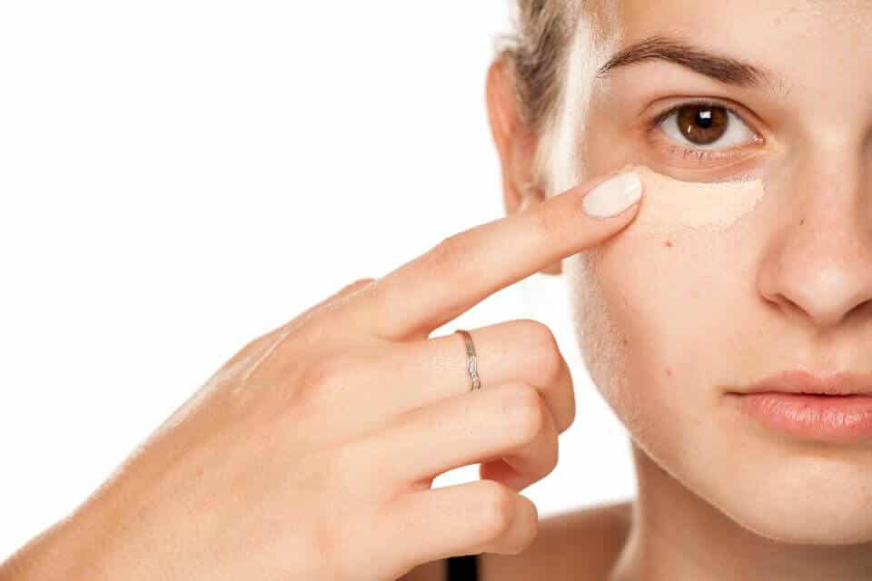 Why You Should Use An Eye Serum